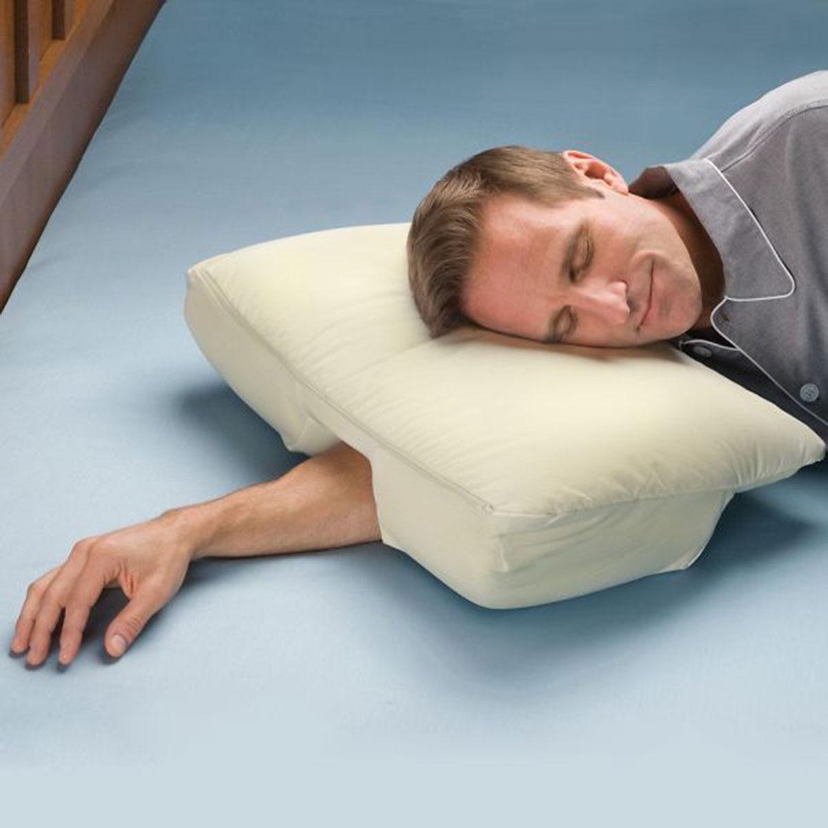 14. Almohada para la gente que usa su brazo como almohada