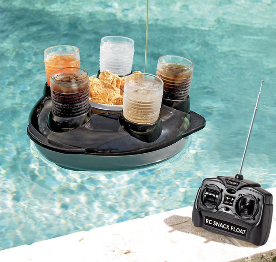 15. Flotador para aperitivos con control remoto