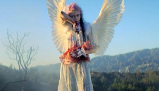 Grimes vuelve con un videoclip autodirigido