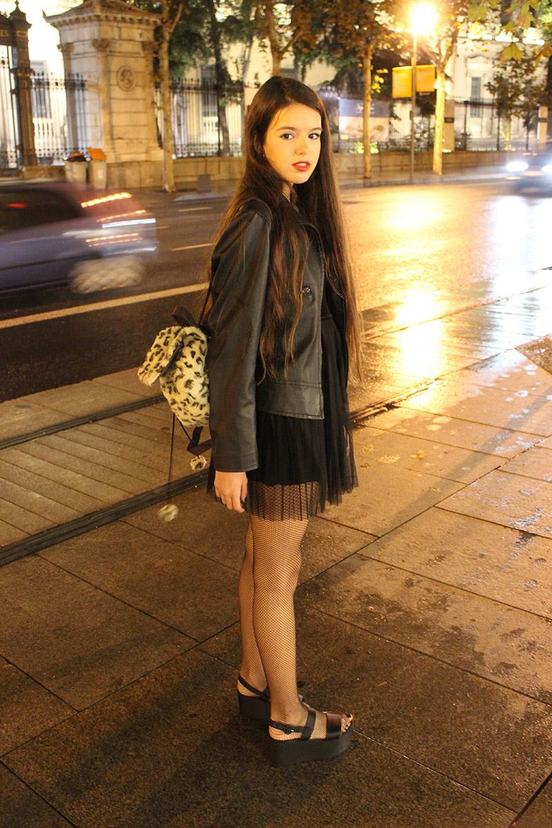 Marina Hermosilla vestida de H&M con sandalias de Zara y cazadora Lee