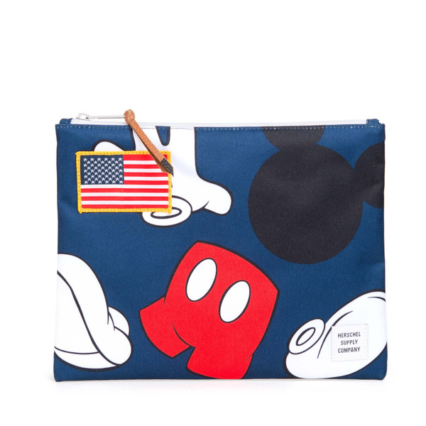 S16_MickeyMouse_Lifestyle_WEB_07