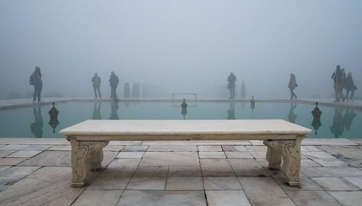El otro lado de los monumentos