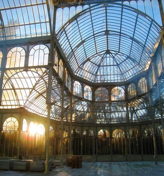 800px-Palacio_de_Cristal,_Parque_del_Buen_Retiro,_Madrid_-_interior