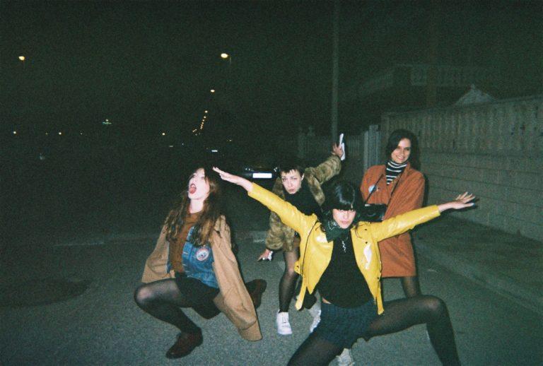 mad girls (2)