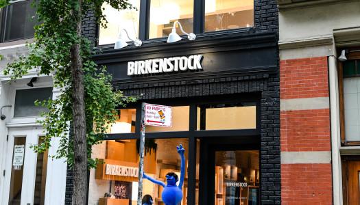 Birkenstock celebra la apertura de su primera tienda en Nueva York con una colección muy especial