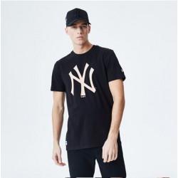 camiseta-new-era-negra-logo-yankees-rosa-estampado-pecho-manga-corta