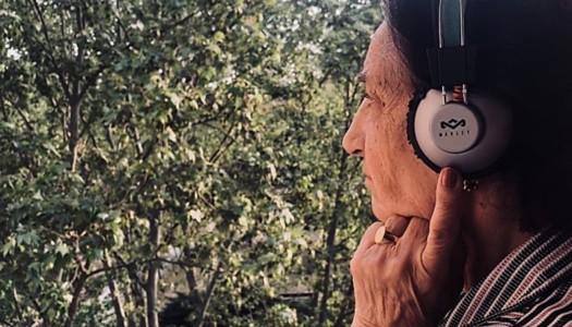 Llega Oye Alzheimer una iniciativa para combatir la enfermedad mediante la musicoterapia