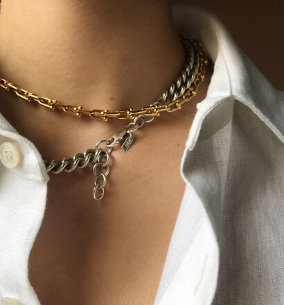 HERO-How-To-_Necklace_Layering